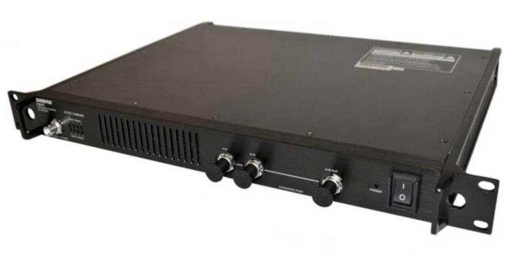 Shure Antennen Combiner PA821