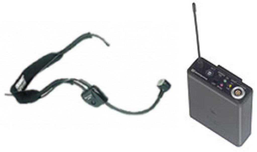 Taschensender mit Nackenbuegelmikrofon